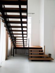 TOP STEPS. Изготовление лестниц по индивидуальным проектам в Москве и МО